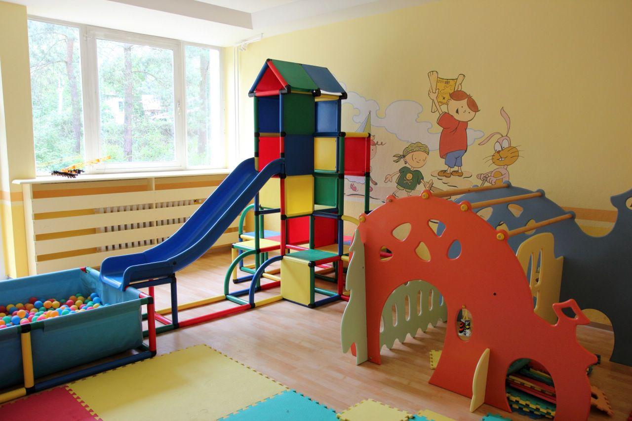 como escolher uma casa com crian as casamenteiras. Black Bedroom Furniture Sets. Home Design Ideas