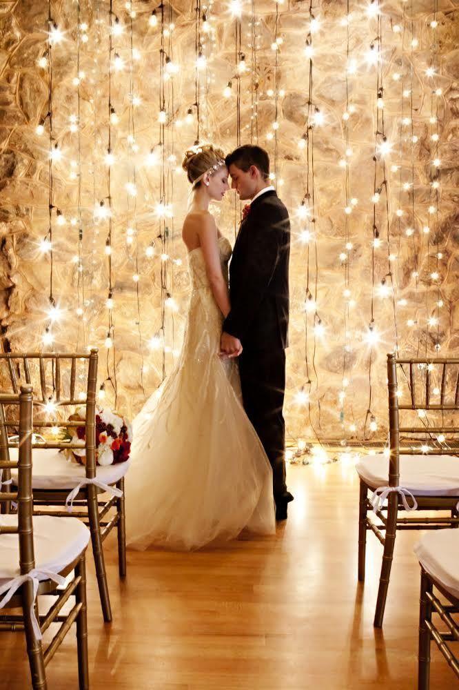 f7cae7fd9f0d9f3003c42f3ff8cbbae0 10 formas de iluminar seu casamento com luzinhas