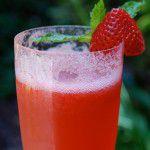 Drink de champanhe com sorbet de frutas