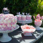 Chá rosa e branco ao ar livre