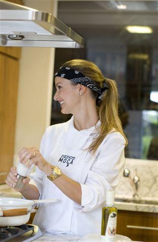 Patricia cozinhando