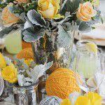 Amarelo e cinza para uma mesa delicada