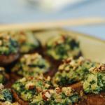 Cogumelos recheados com espinafre