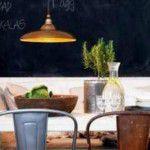 Útil e agradável: quadro negro na cozinha