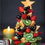 Árvore de Natal feita de frutas