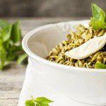 Salada de Frango com Macarrão ao Pesto