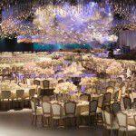 Casamento com céu surreal de LED e Swarovski