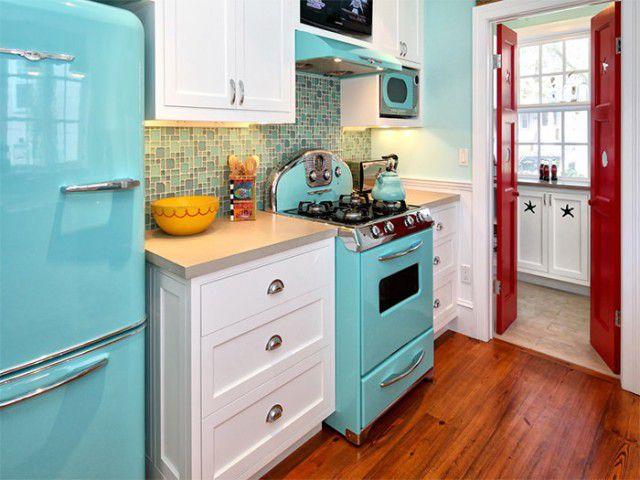 cozinha-retro-destque-e1416936052904 Na dúvida sobre quais devem ser eletrodomésticos para sua casa nova? Nós listamos para você!