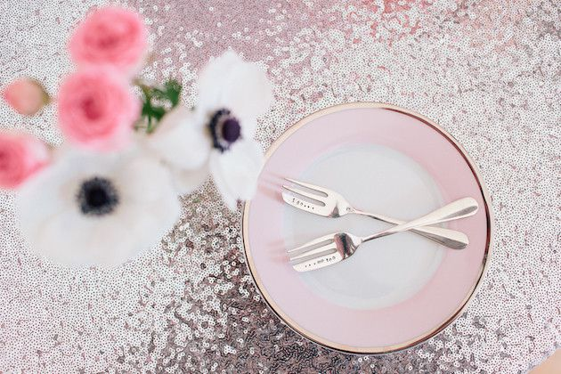 Pink-and-Sparkly-Wedding-Inspiration-Kylee-Yee-Photography-Glimmer-Threads-Bridal-Musings-Wedding-Blog-62-630x420 Chá de Panela Rosa e Preto