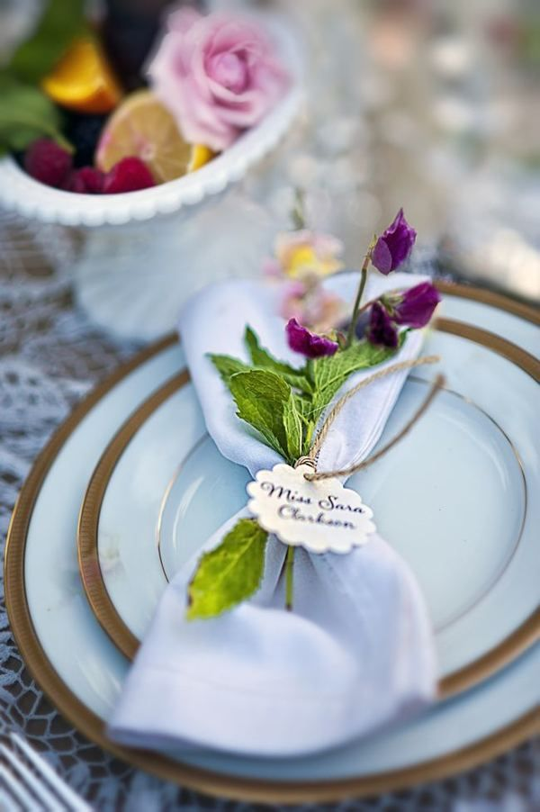 599abc3da7d31b1f042671b1204302ca Vestindo a mesa de seu casamento