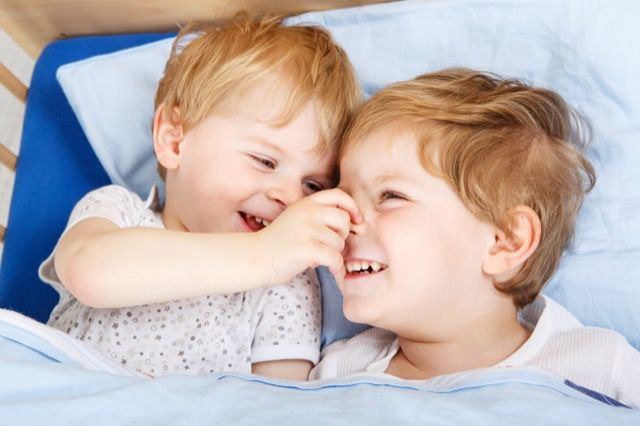 Crianças na cama