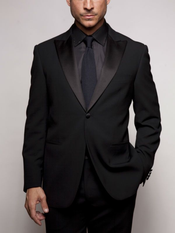 A-gravata-precisa-ser-mais-escura-do-que-a-camisa