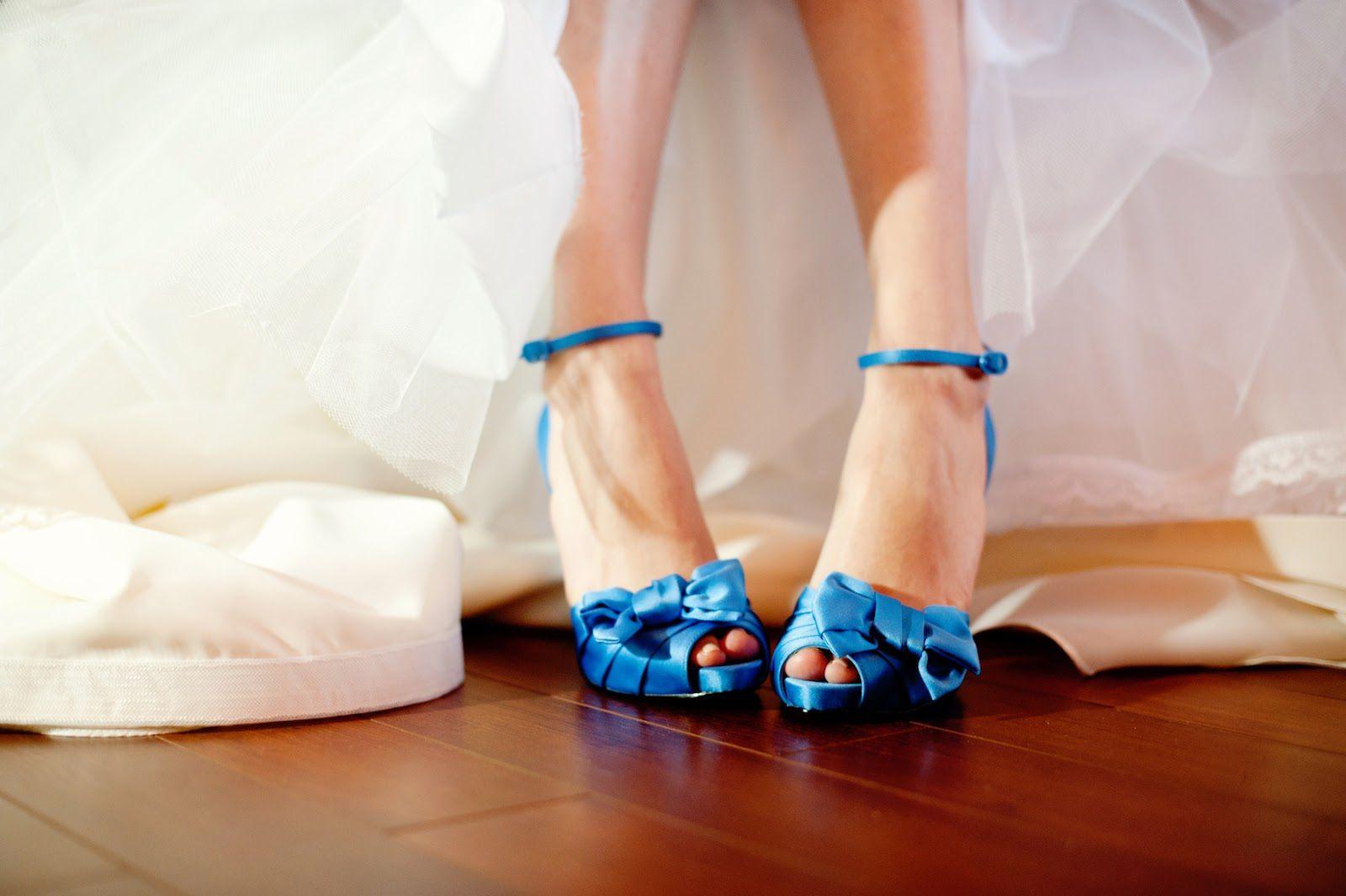 sapatodenoiva-azul-acessorios-detalhe-noiva-vestidodenoiva
