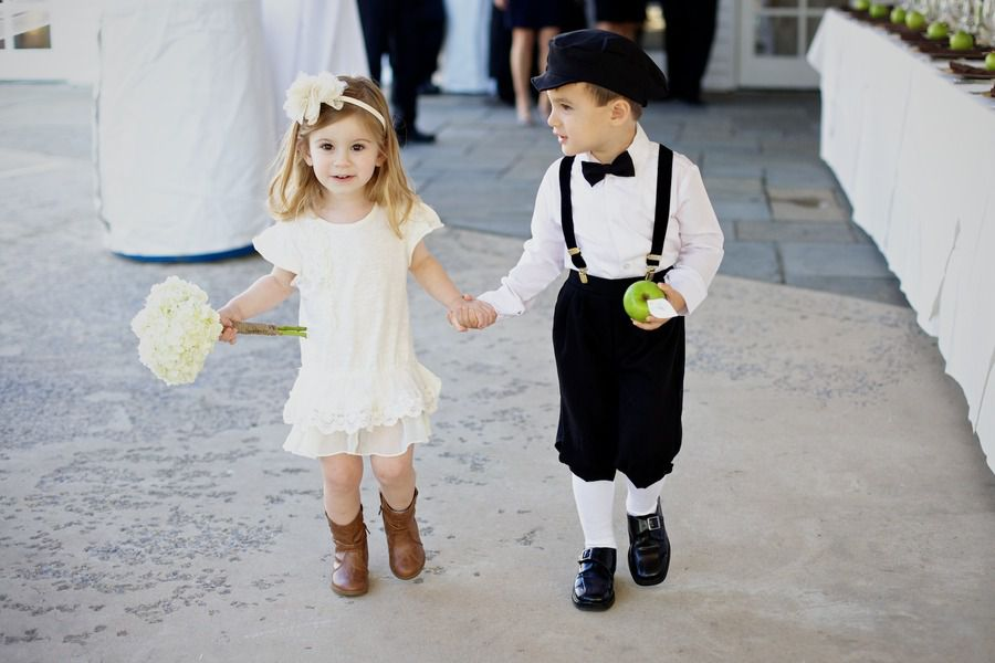 shorts-and-apple-for-ring-bearer