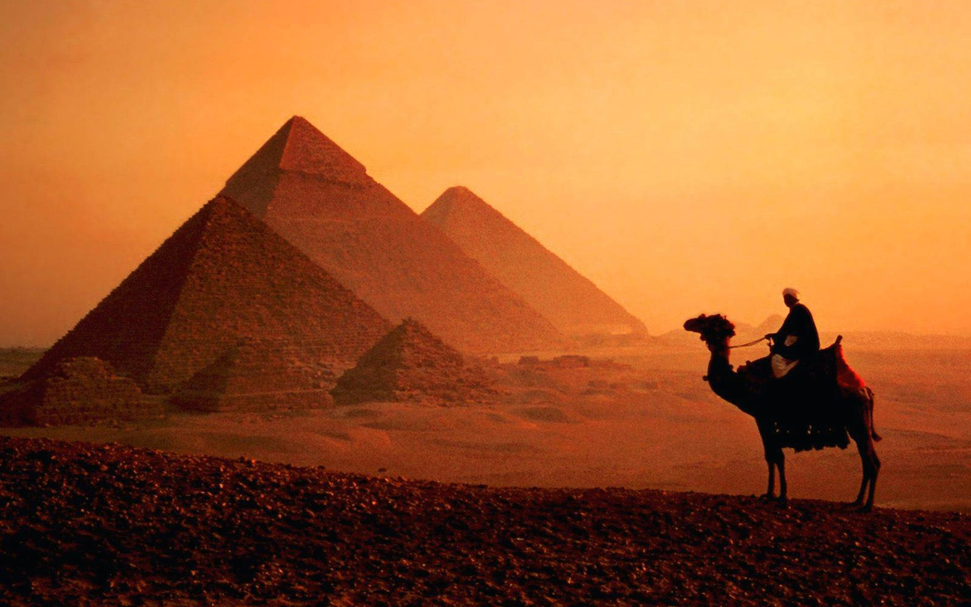 8589130570139-dusk-camel-pyramids-cairo-egypt-top-travel-lists-wallpaper-hd 5 destinos incríveis para casais aventureiros