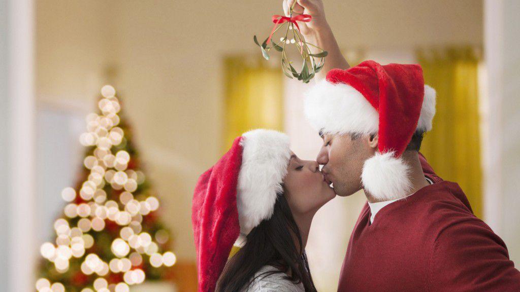 Mistletoe-1024x576 Papai Noel, este ano, quero um amor de verdade