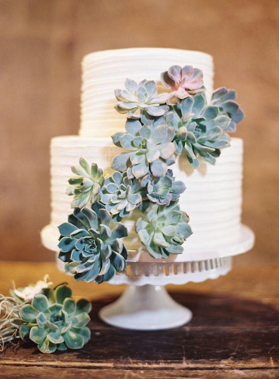 Ashley-Kelemen Bolo de casamento o destaque da mesa de doces
