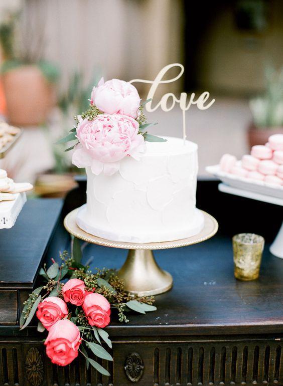 Kristina-Adams Bolo de casamento o destaque da mesa de doces