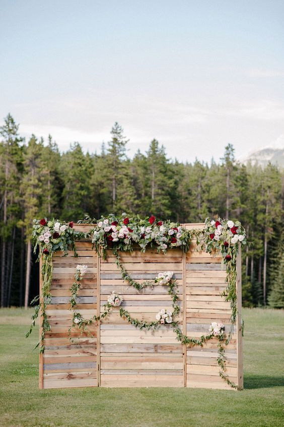 rustic-country-wedding-backdrop