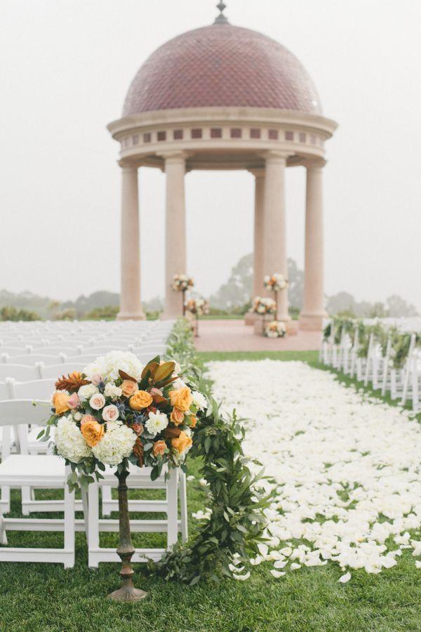 onelove-photography2 As flores em cerimônias na praia!