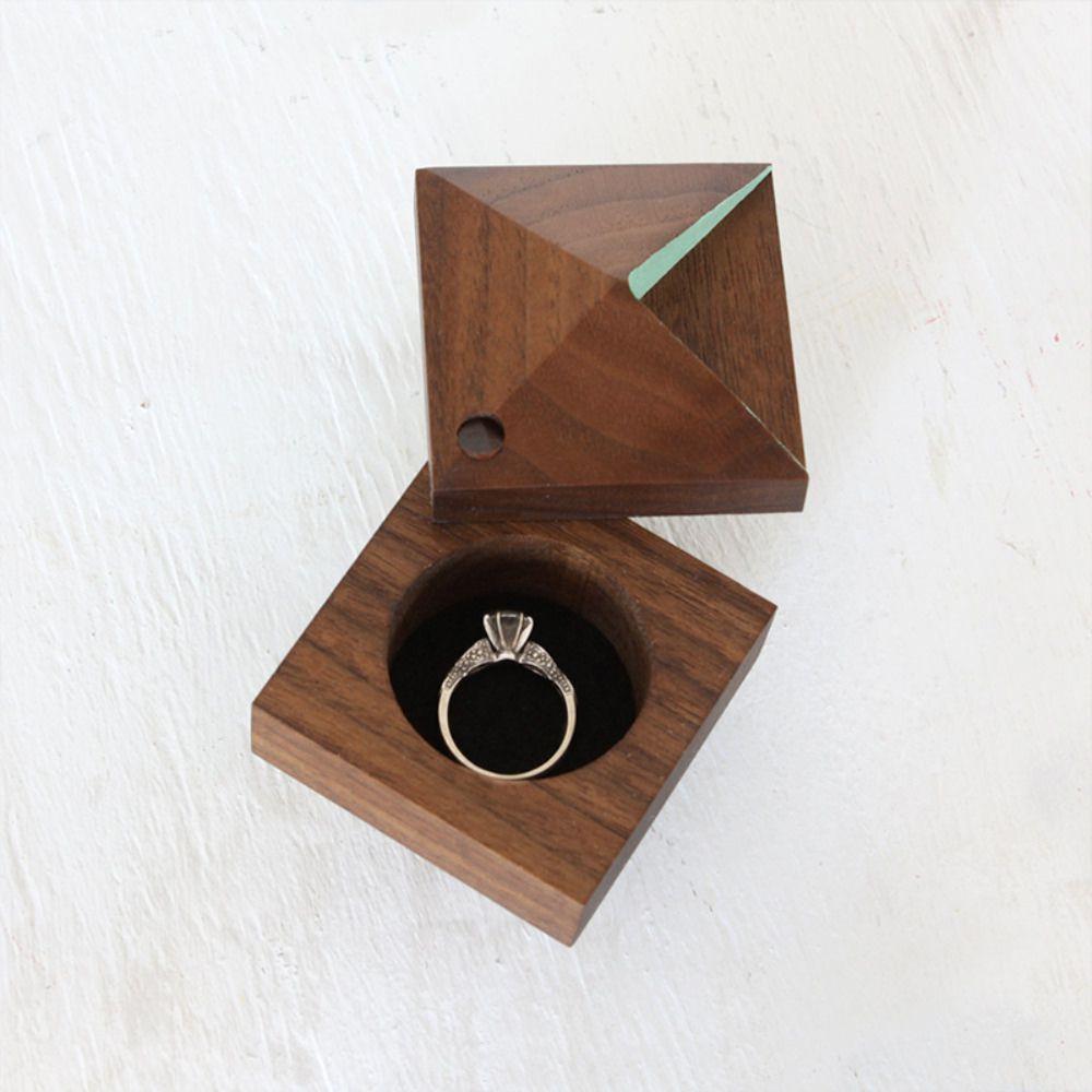 463839_25-lovely-wedding-ring-holders