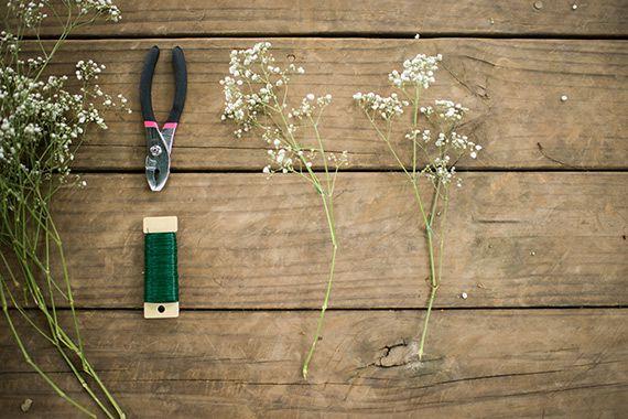 diy-babys-breath-flower-crown-12 DIY: COROA DE FLORES PARA DAMINHAS