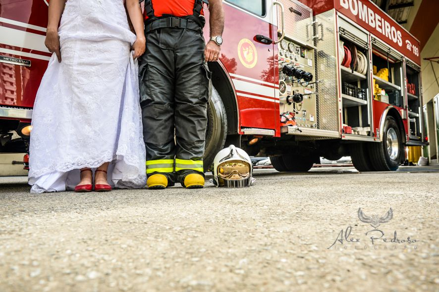 ALE_1004 TRASH THE DRESS: CORPO DE BOMBEIROS