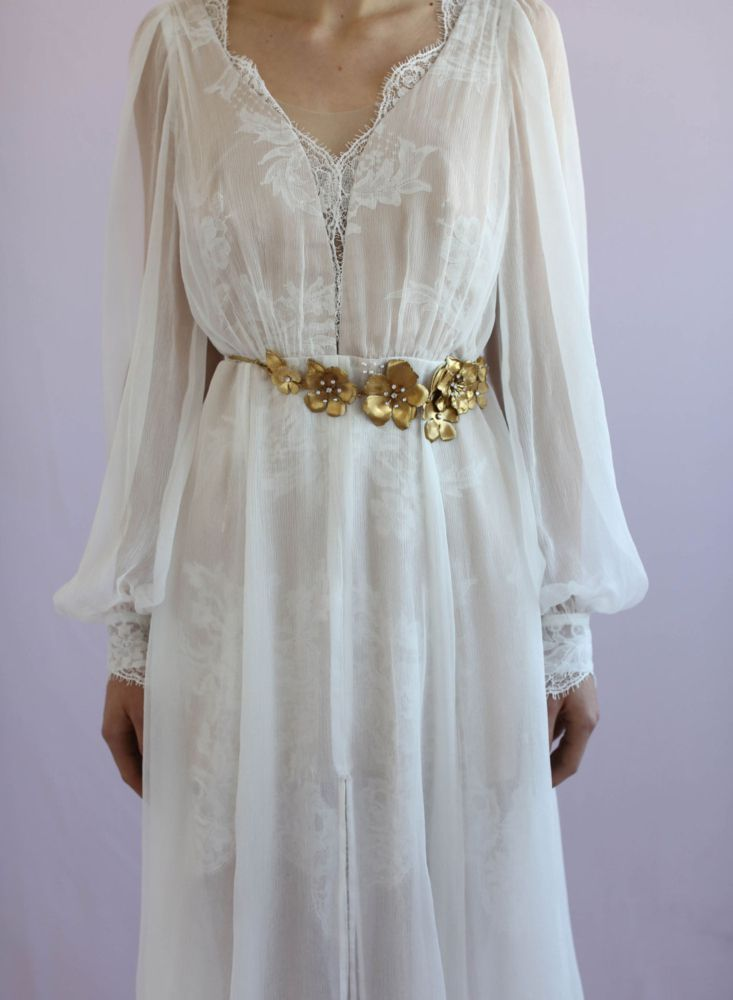 Gold-Floral-Bridal-Belt-2-733x1000 10 lindas faixas e cintos para noivas