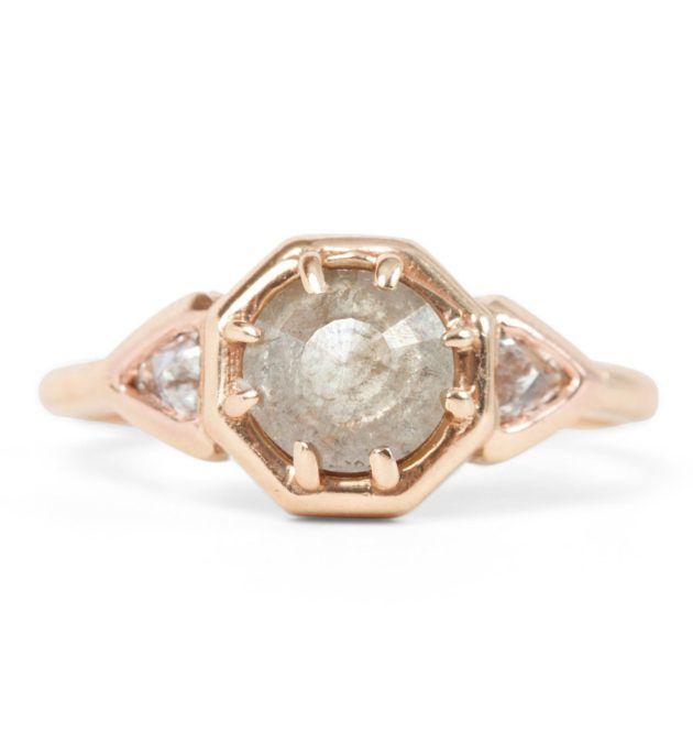 Grey-Stone-Engagement-Ring-630x676 5 ANÉIS DE NOIVADO DELICADOS
