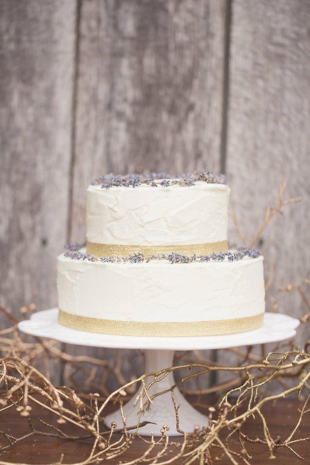 How-To-Bake-Your-Own-Wedding-Cake-Bridal-Musings-Wedding-Blog-12 Dicas para você mesma fazer o bolo do seu casamento!