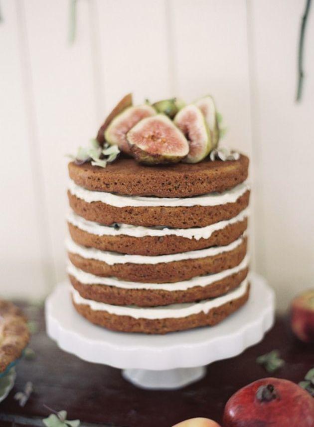 How-To-Bake-Your-Own-Wedding-Cake-Bridal-Musings-Wedding-Blog-6 Dicas para você mesma fazer o bolo do seu casamento!