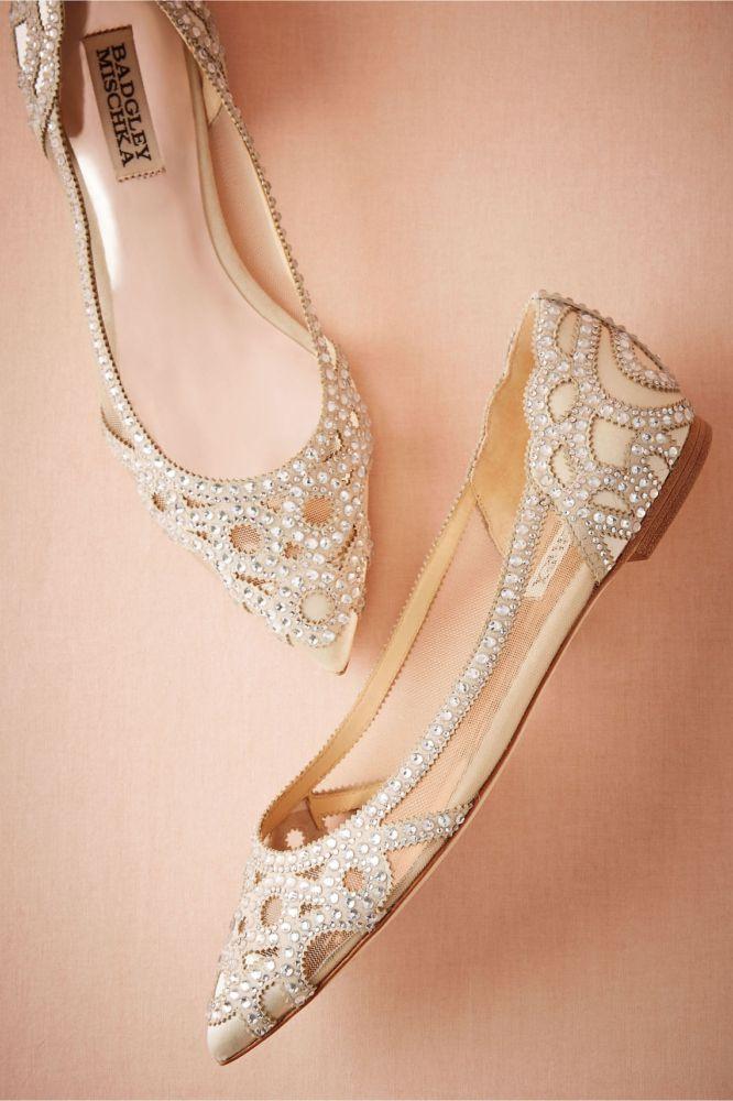 Flat-Bridal-Shoes-666x1000 Sapato de noiva sem salto: elegância e conforto