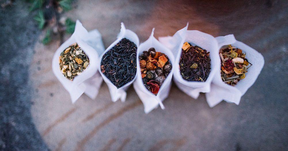 Tea-Bar-Wedding-Inspiration-by-Lauren-Love-Photography-and-Cheryl-Sullivan-Events-45-1900x1000 Inspiração orgânica do casamento: chás e folhagens