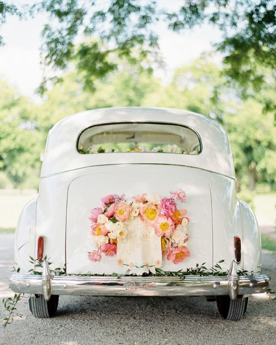 getaway-car-decoration-ideas-1 PERSONALIZE O CARRO DO SEU CASAMENTO!