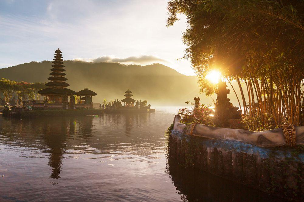 inspiredbridenet-bali_indonesia-574ebe16a7168 Lua de mel: 5 Ilhas mais visitadas e amadas no mundo!