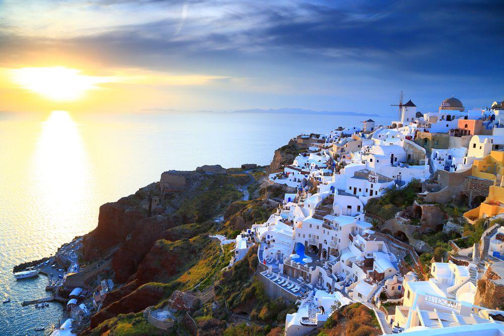 inspiredbridenet-santorini_greece___-574ebe16332e3 Lua de mel: 5 Ilhas mais visitadas e amadas no mundo!