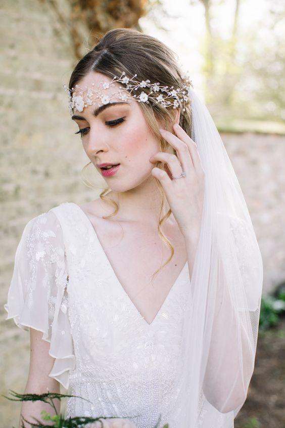 acessorios-para-cabelos02 Cabelos da noiva: acessório de cabeça