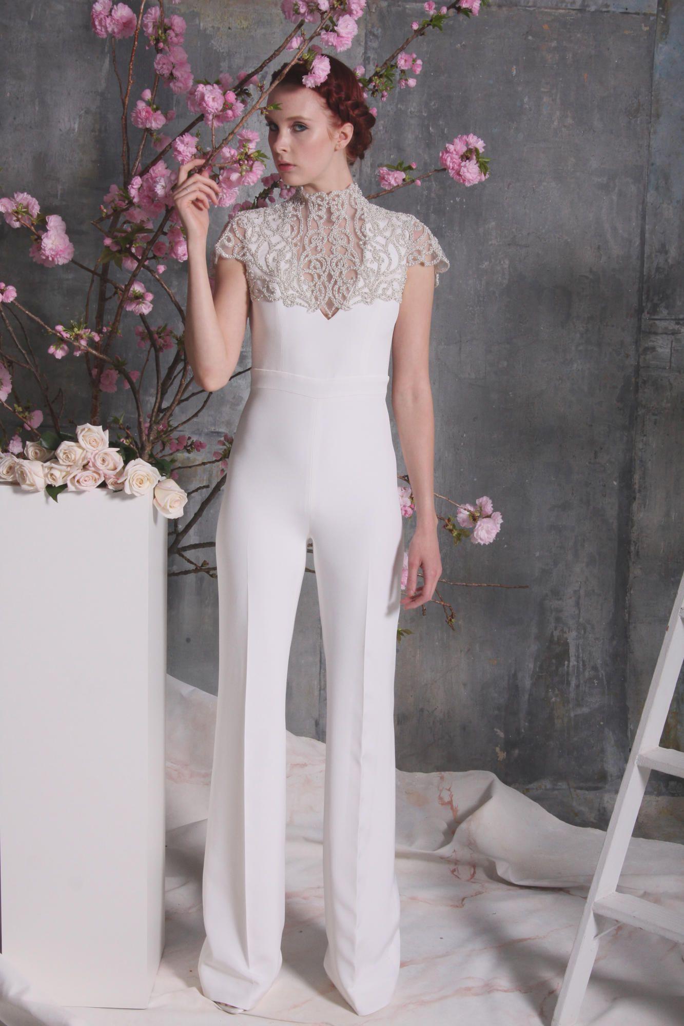 christian-siriano-bridal-spring-2018-jumpsuit Tendências de vestidos de noiva para 2018