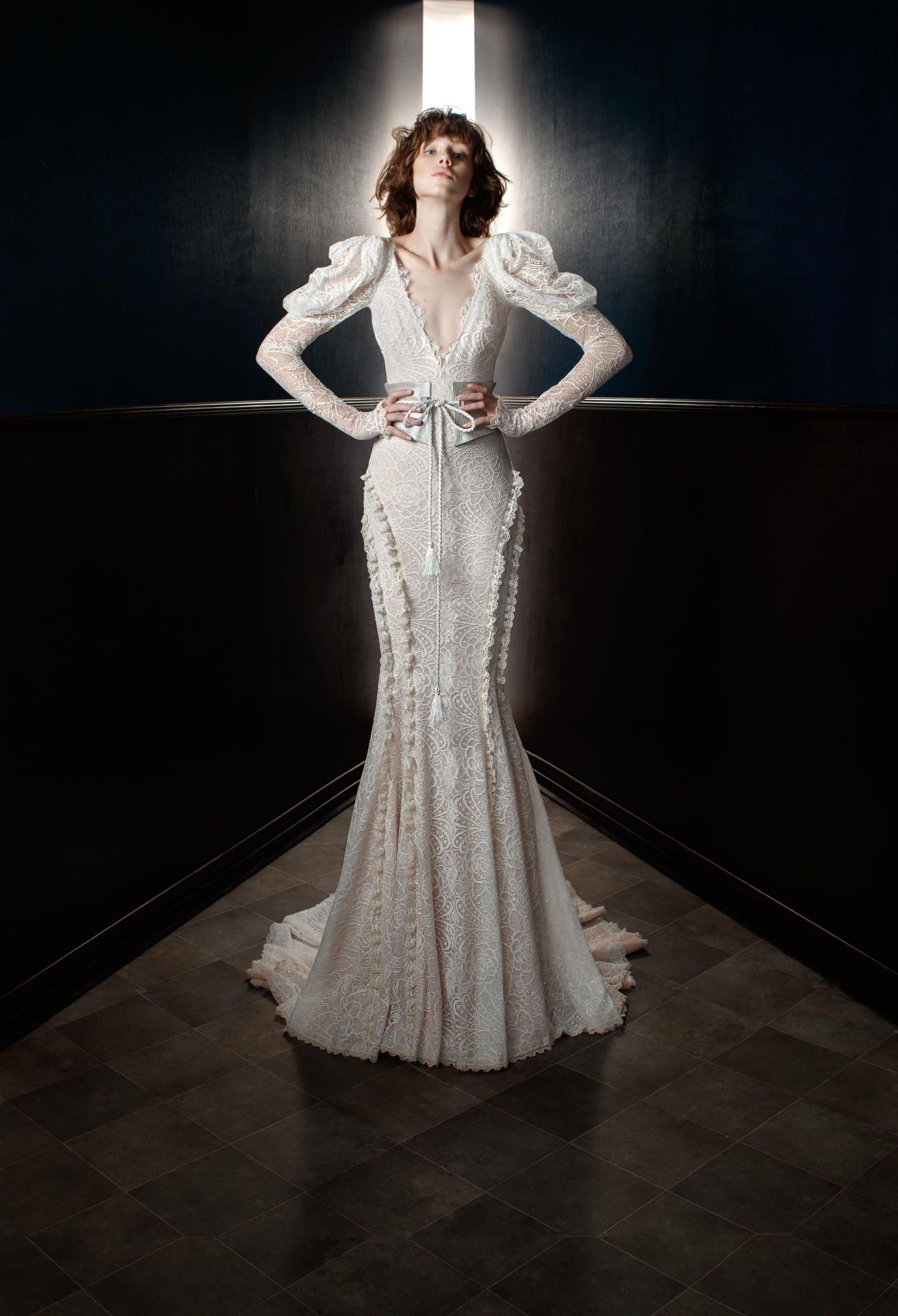 galia-lahav-spring-2018-bridal-belt-gown Tendências de vestidos de noiva para 2018