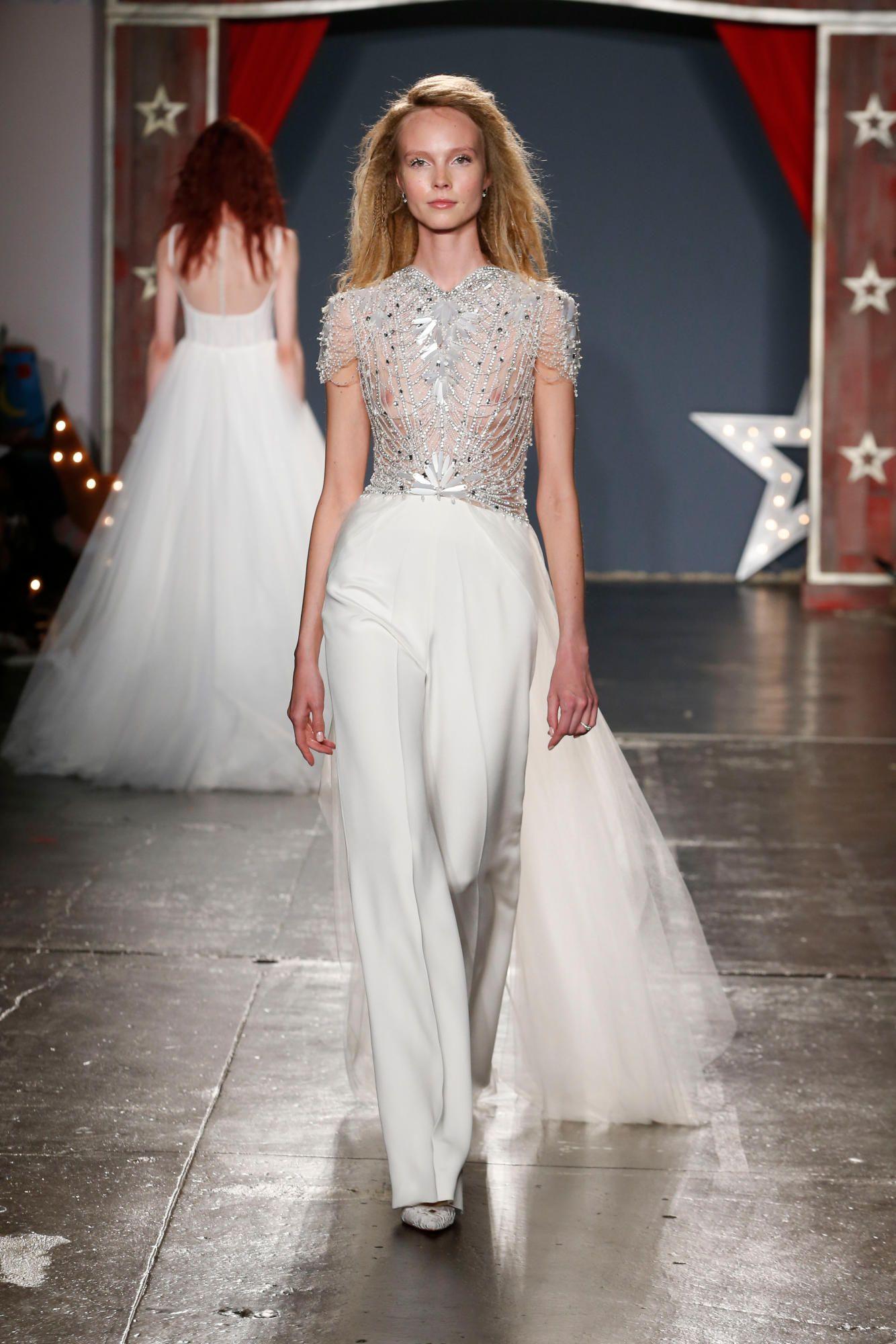 jenny-packham-bridal-spring-2018-jumpsuit Tendências de vestidos de noiva para 2018