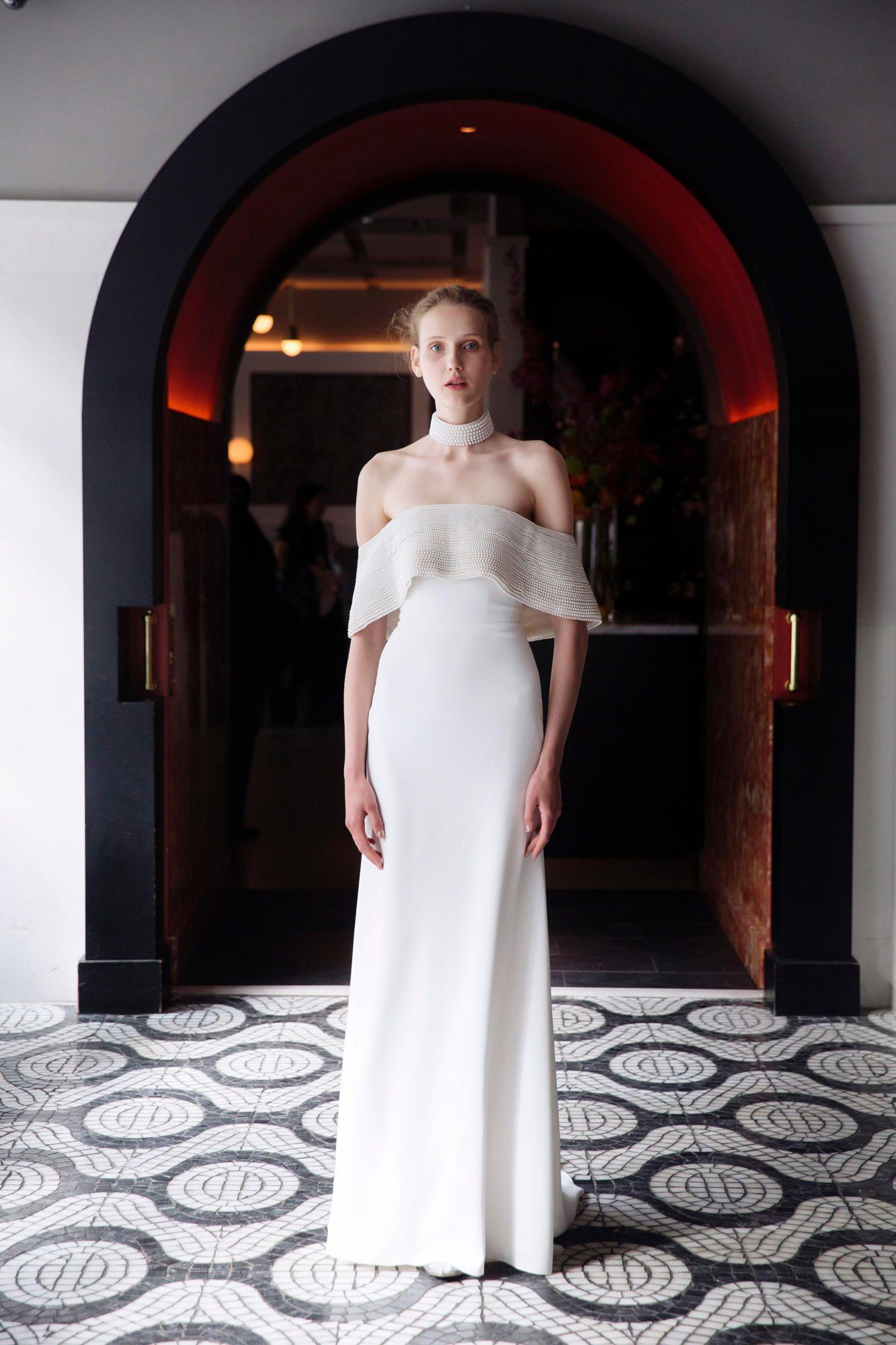 lela-rose-spring-2018-bridal-pearl-gown Tendências de vestidos de noiva para 2018