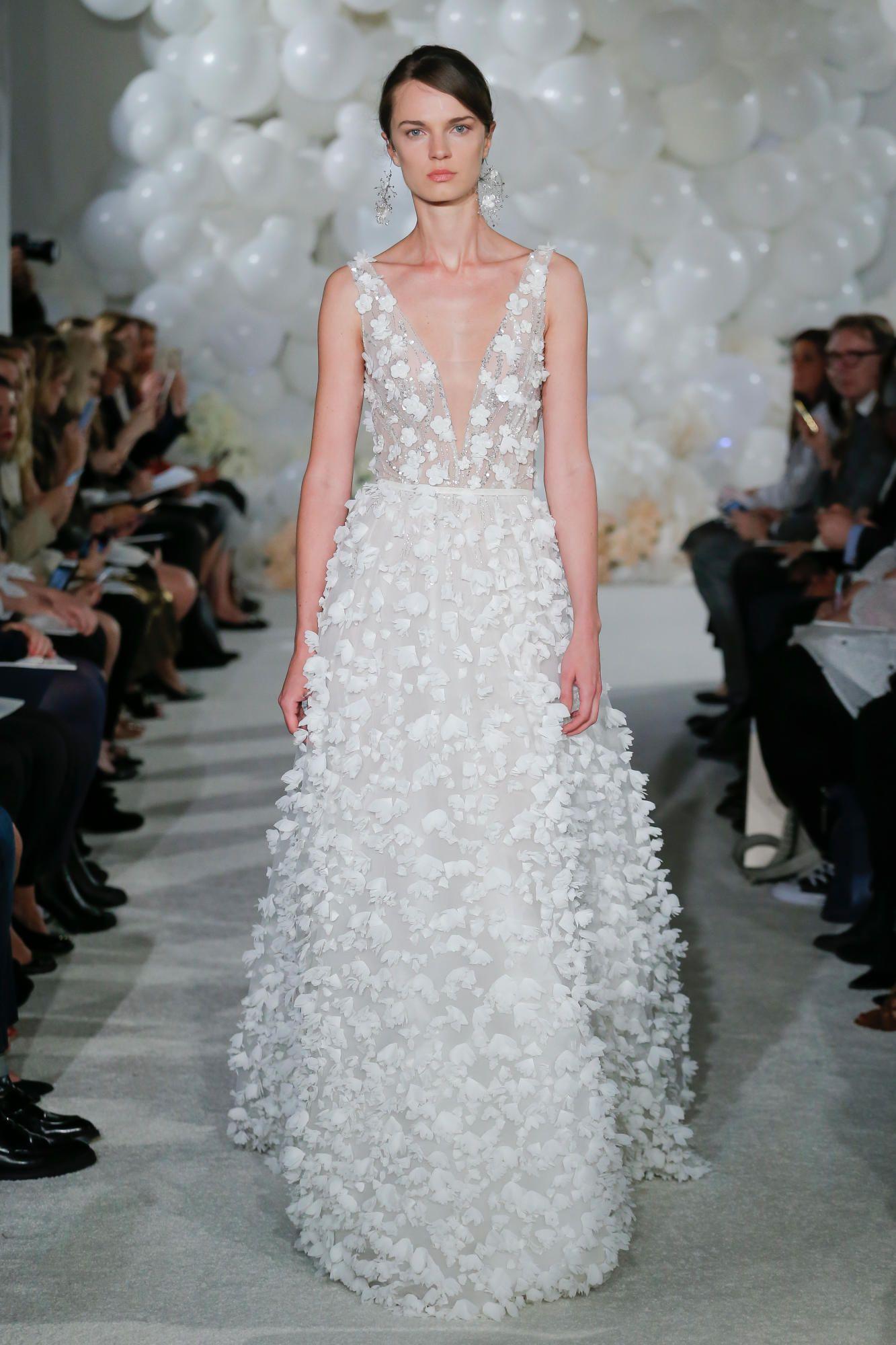 mira-zwillinger-spring-2018-bridal-pearl-dress Tendências de vestidos de noiva para 2018
