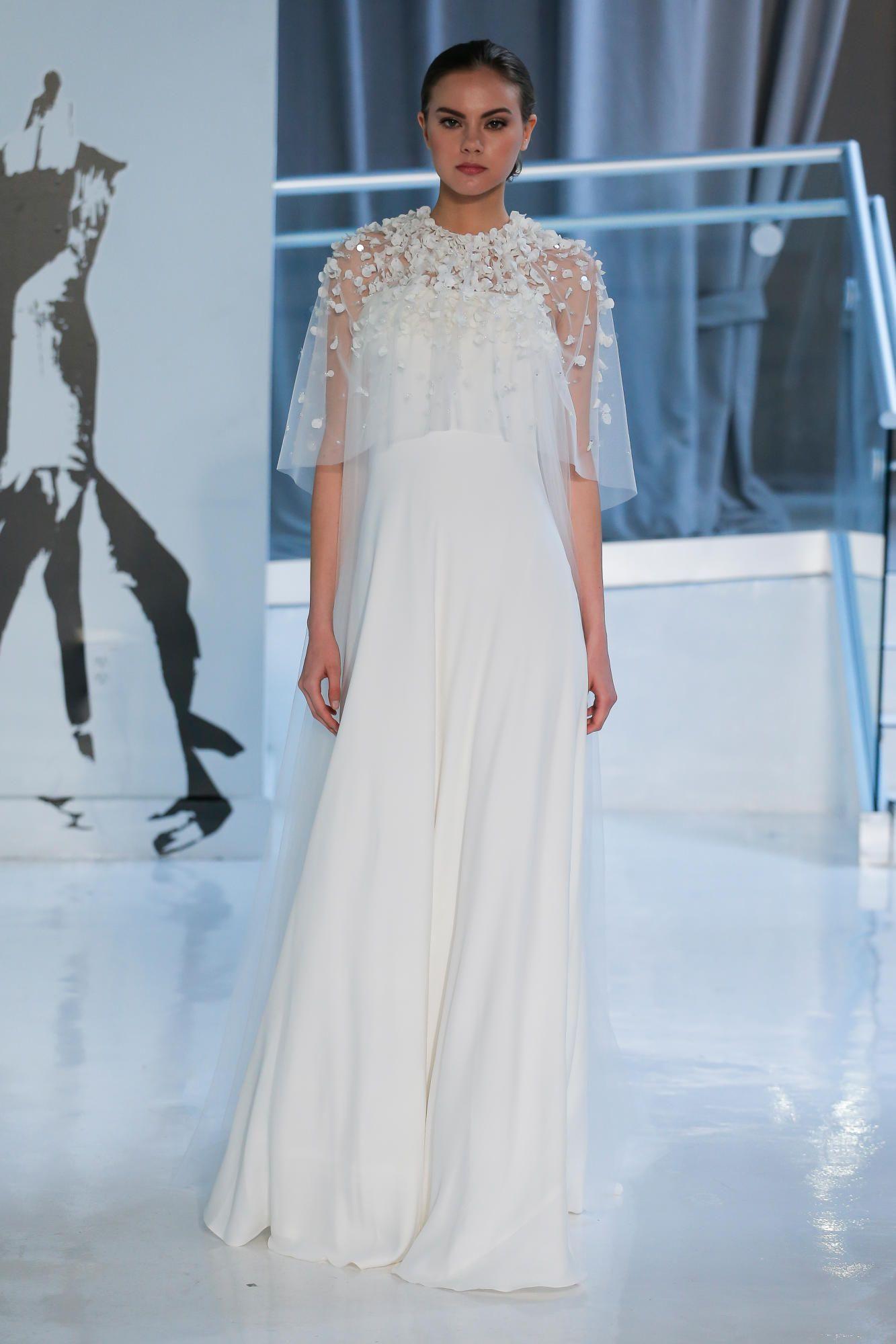 peter-langner-bridal-spring-2018-cape-dress Tendências de vestidos de noiva para 2018