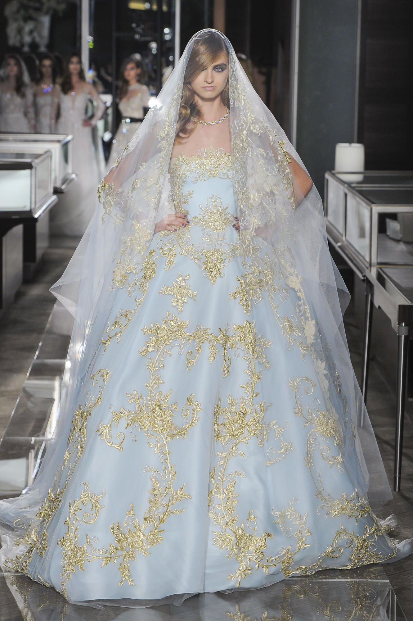 reem-acra-spring-2018-bridal-blue-gown Tendências de vestidos de noiva para 2018