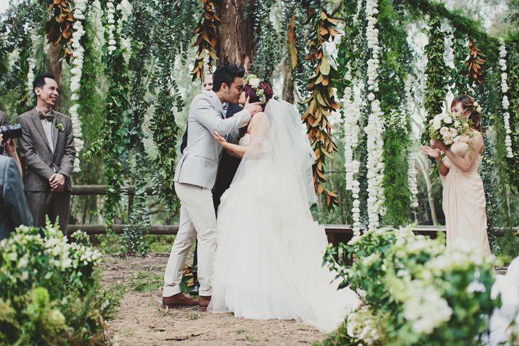 casamento-rustico08 Casamento rústico, Vestido clássico   Casamentos reais