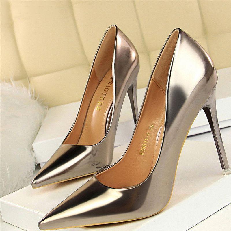 sapato2 Sapato de noiva com glitter, strass, metalizado ou pérola?