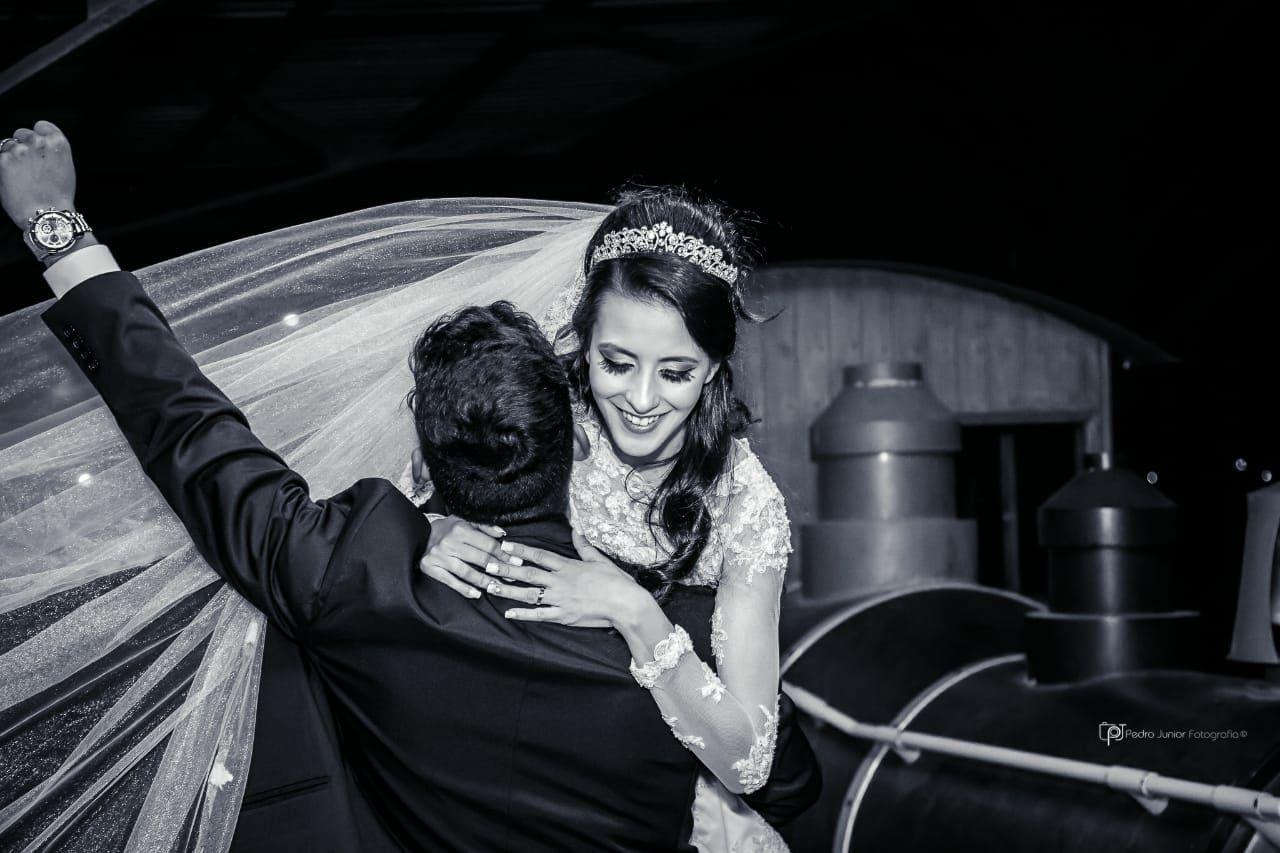 Pose espontânea de casamento