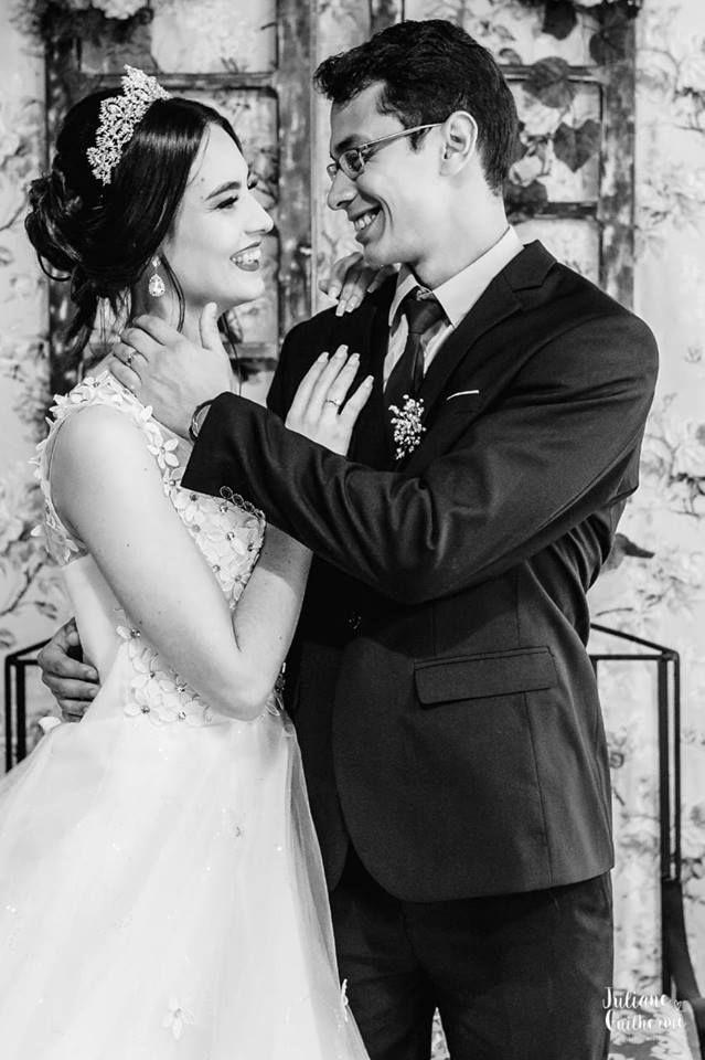 Poses romaticas para o casamento