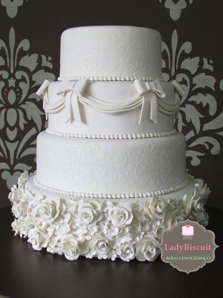 ladybiscuit-768x1024 Bolo cenográfico de casamento: lugares em SP para comprar o seu!