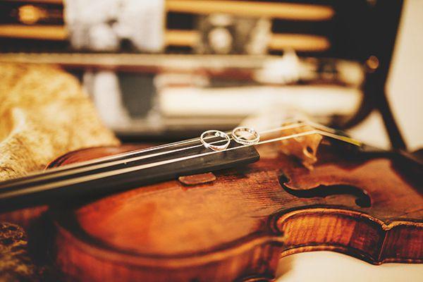 cortejo-musica-para-entrada-do-noivo-1 Cortejo de casamento: confira o passo a passo da entrada e saída